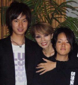 研ナオコの息子の倹太、現在は仕事は?娘のひとみも歌手に?上手い ...